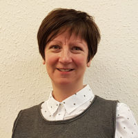Elaine Cruickshank headshot
